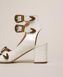 Sandalette aus Leder mit Krokoprägung Print Kroko Schneeweiß Frau 201TCP05E-03