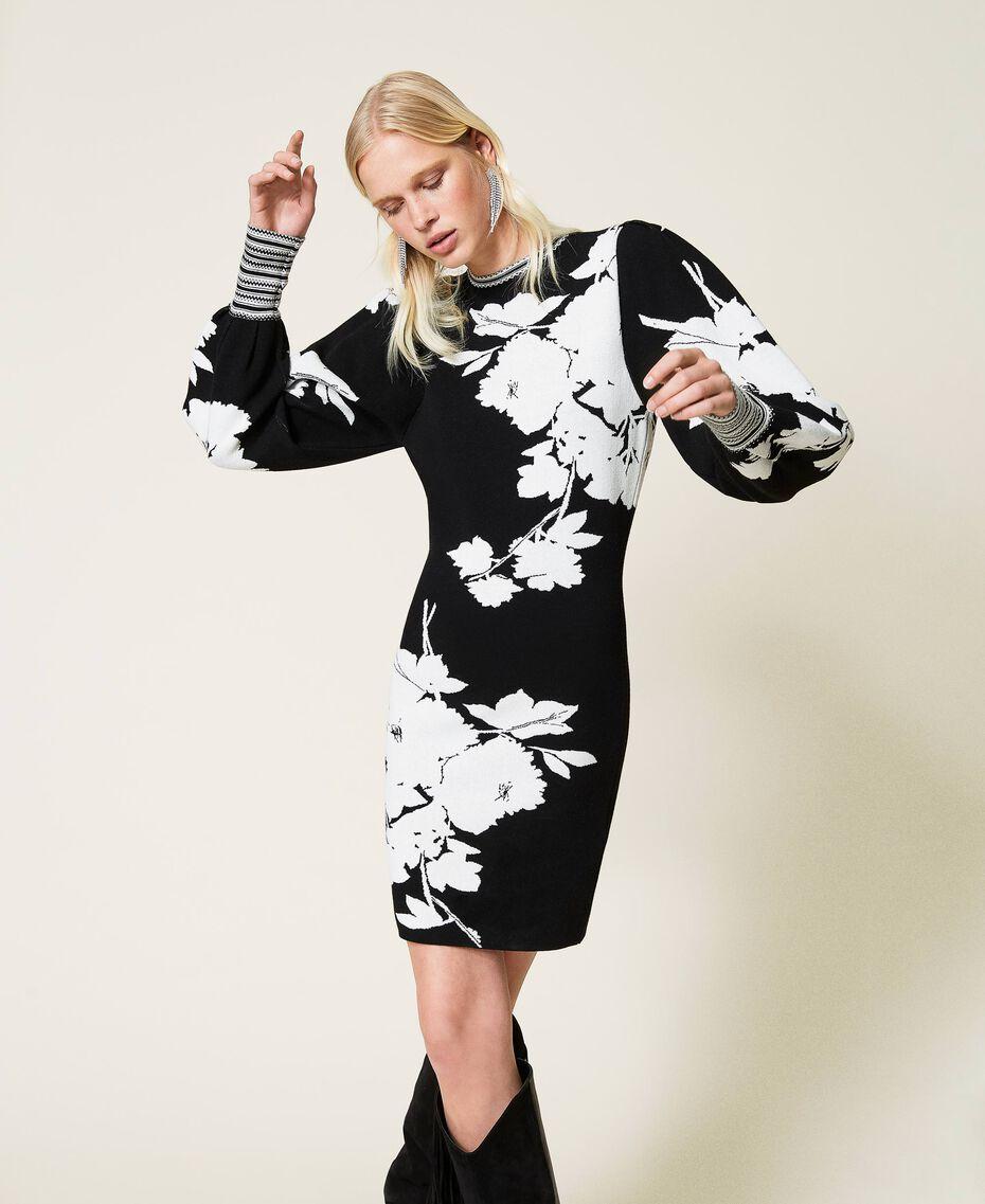 Robe jacquard florale Jacquard Fleurs Blanc «Neige»/ Noir Femme 212TP3540-01