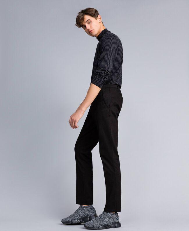 Pantalón de gabardina de algodón Negro Hombre UA82CN-03