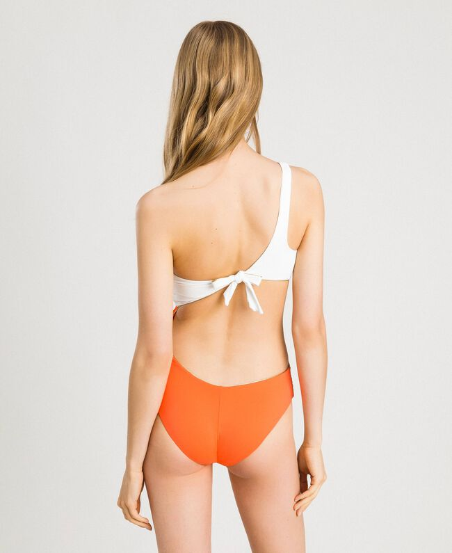 "Einschultriger Badeanzug im Color-Block-Look Multicolour ""Orange Juice"" / ""Milkyway"" Beige / ""Petra Sandstone"" Braun Frau 191LMMHZZ-03"