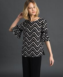 "Floral and chevron print blouse Black / ""Snow"" Chevron Print Woman 192TP252A-02"