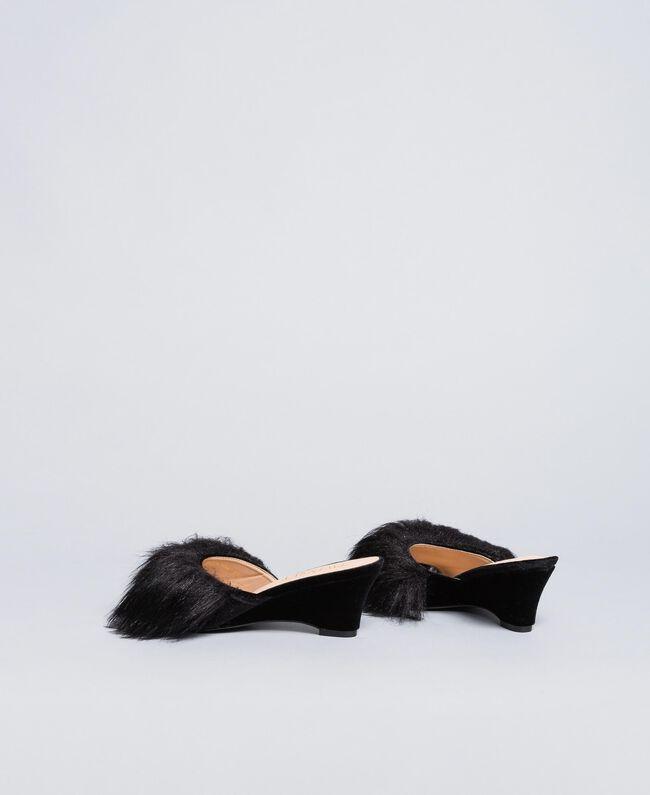 Slippers en velours avec semelle compensée Noir Femme LA8AJJ-03