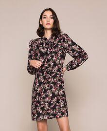 Крепдешиновое платье с цветочным рисунком Принт Цветочный Черный женщина 201MP2374-01