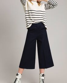 Cotton cropped trousers Deep Blue Woman 191TP2230-01