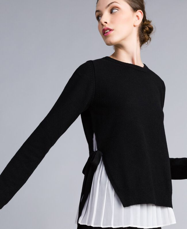 """Wool and cashmere jumper with pleated top Bicolour Black / """"Snow"""" White Woman PA831C-04"""