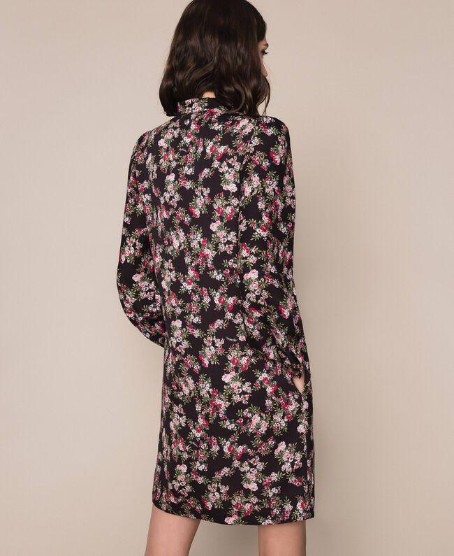 Крепдешиновое платье с цветочным рисунком Принт Цветочный Черный женщина 201MP2374-03