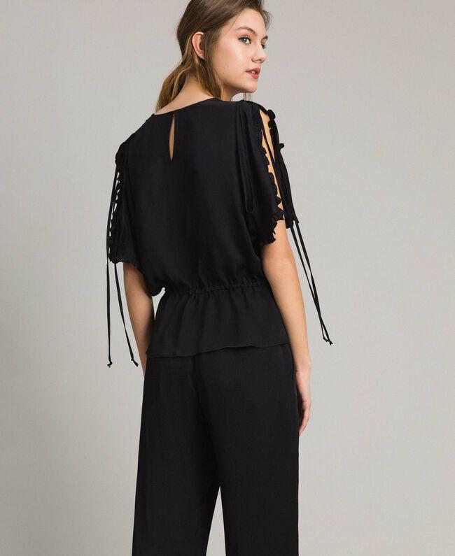 Bluse mit Rüschen aus Seidenmischung Schwarz Frau 191TT2071-04