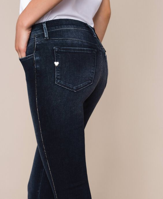 Push-up-Jeans mit Strass