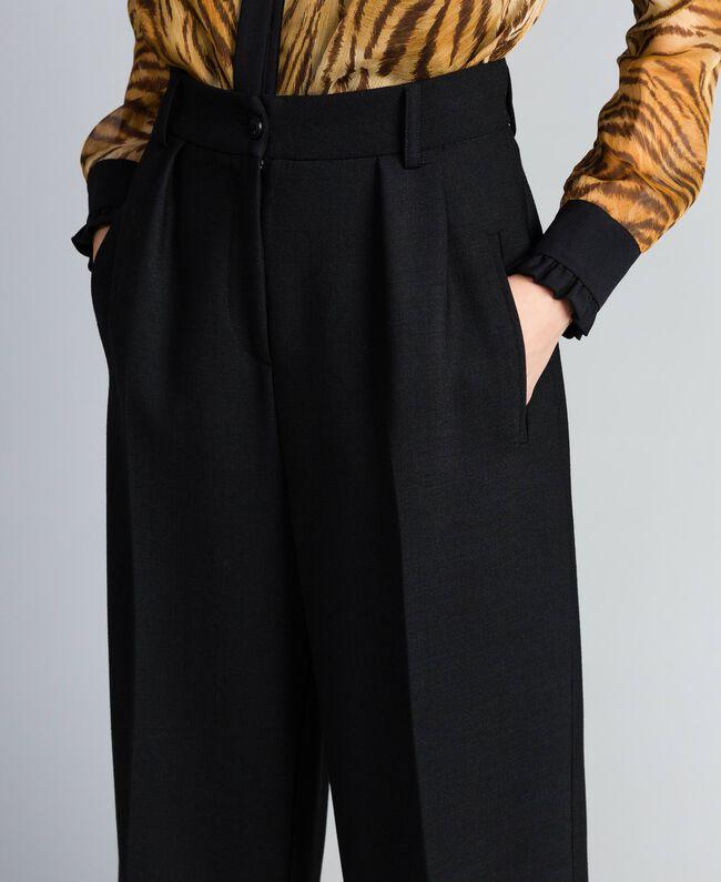 Cropped-Hose aus Bi-Stretch-Wolle Schwarz Frau TA8271-04