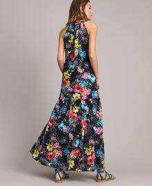 Maxikleid mit Blumenprint und Neckholder All Over Black Multicolour Flowers Motiv Frau 191MT2294-04