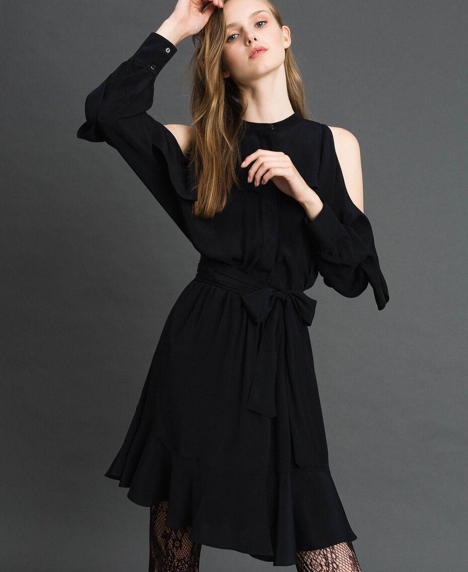 Kleid aus Crêpe de Chine mit Rüschen Schwarz Frau 192TT2436-01