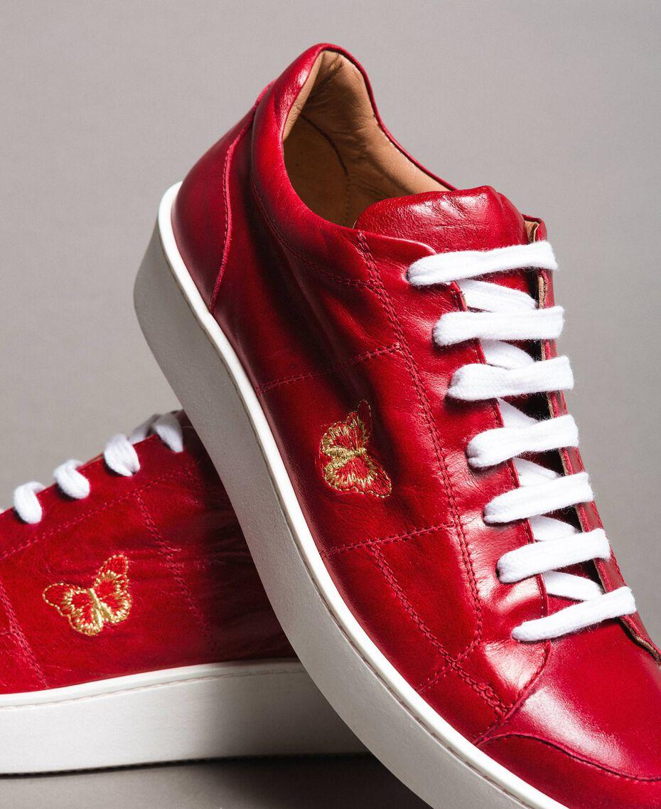 """Sneakers in pelle con ricamo a farfalla Rosso """"Lipstick Red"""" Donna 191TCT09Y-05"""