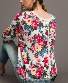 Pullover-Cardigan mit Blumenmuster Motiv Tuch Weiße Blumen Frau 191MP3131-06