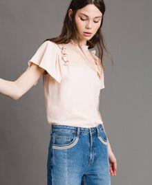 Rüschen-Bluse aus Seide-Mix Blütenknospenrosa Frau 191TP2136-01