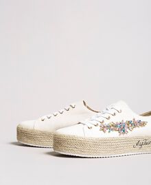 Sneakers mit Steinapplikation und Logo Porzellan Beige Frau 191MCP03A-01