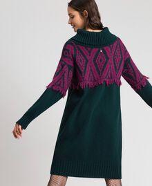Robe en maille jacquard avec motif ethnique Jacquard Ethnique Vert Foncé / Rouge Betterave Femme 192TP3041-05