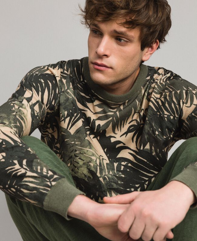 """Crêpe cotton printed jumper All Over """"Palms"""" Camouflage Print Man 191UT3060-04"""