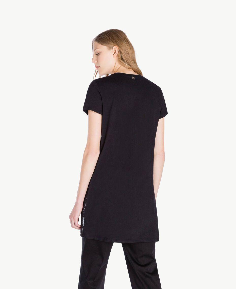 Maxi-T-Shirt mit Stickerei Schwarz Frau TS829R-03