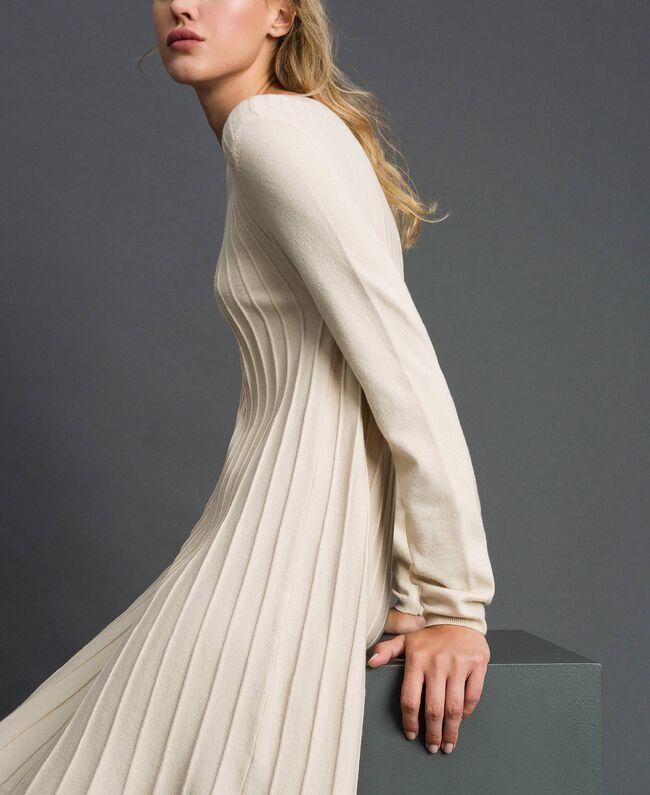 Robe en maille plissée Blanc Crème Femme 192ST3170-01