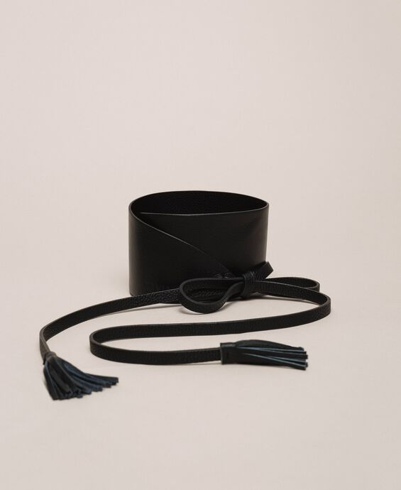 Leather belt with tassels