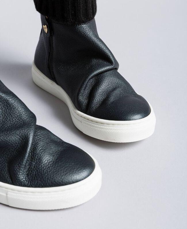 Baskets modèle bottines en cuir et maille Noir Enfant HA88B3-04