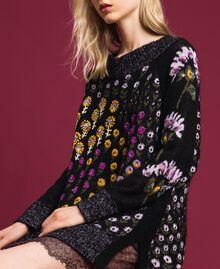 Jacquardpullover mit Blumendessin und Stickereien Jacquard Multicolor-Blumen Frau 192TT3240-04