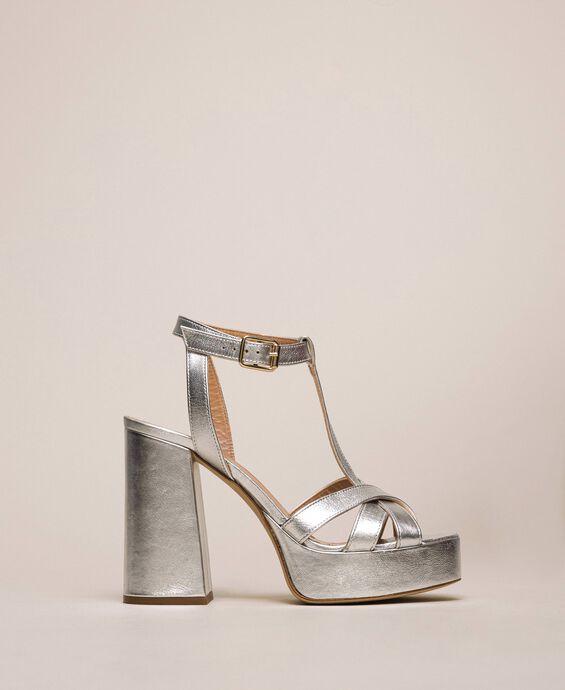 T-Bar-Sandalette aus Metallic-Leder