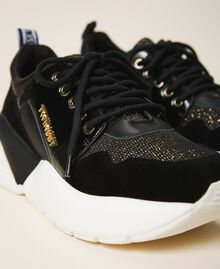 Running shoes with logo Black Woman 202TCP036-03
