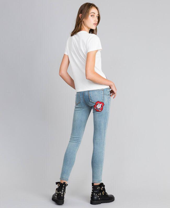 T-shirt en coton avec logo patch Nacre Femme YA82TD-03