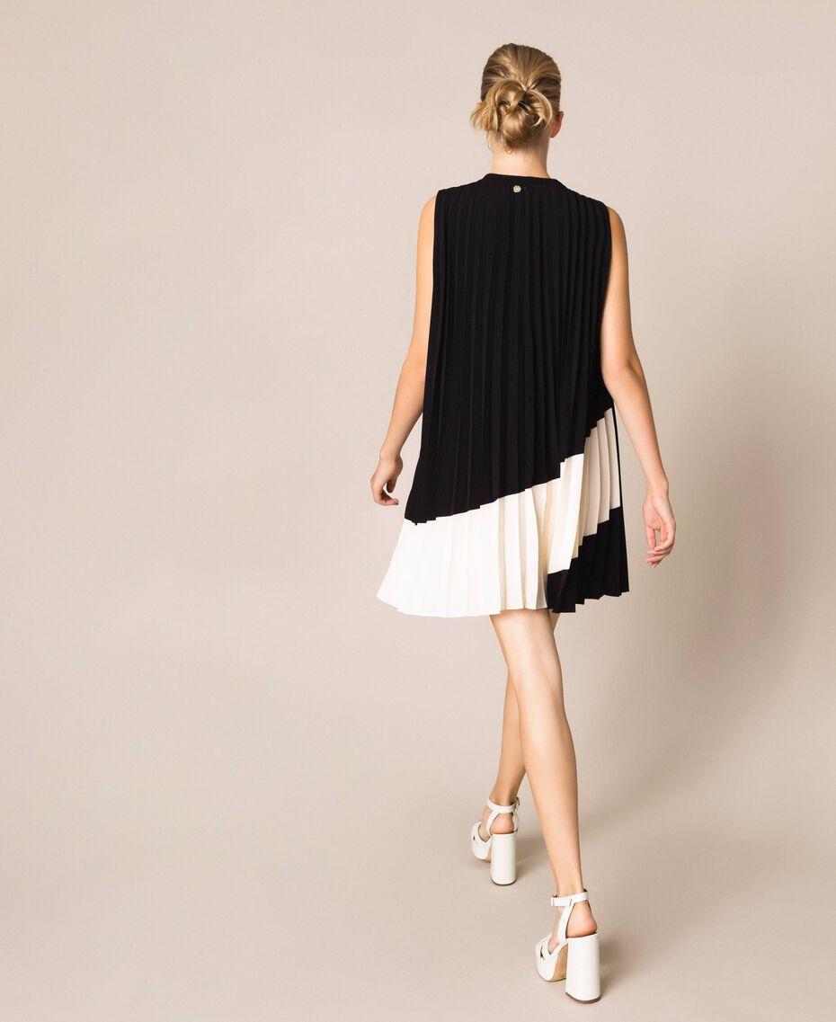 """Pleated crêpe de Chine dress Two-tone """"Silk"""" White / Black Woman 201ST2011-03"""