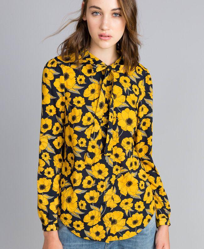 "Camicia in crêpe de Chine stampata Stampa Wind Flower Giallo ""Golden Yellow"" / Blu Donna YA82FV-01"