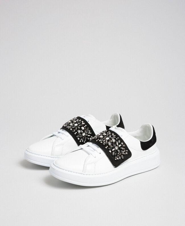 Sneakers aus Leder mit Strass Optisches Weiß / Nude-Rosa Frau 192TCT110-01