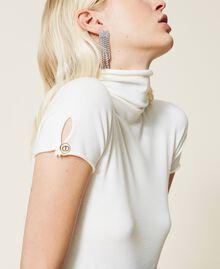 """Lupetto in maglia con bottone logato Riga Bianco """"Neve"""" / Nero Donna 212TP3102-04"""