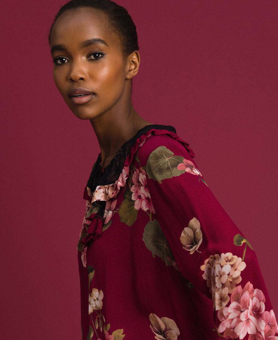 Floral print creponne blouse Beet Red Geranium Print Woman 192TP2724-01