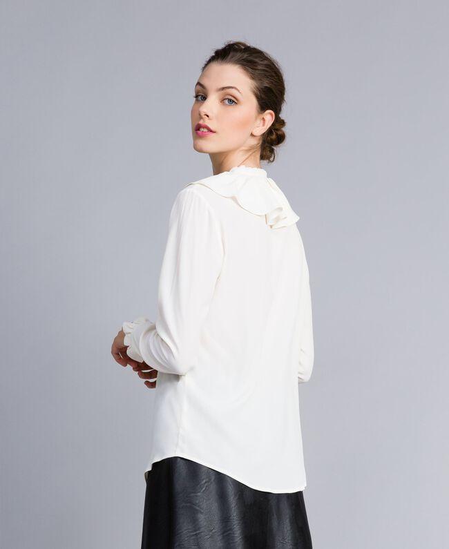 Chemise en soie mélangée avec col pierrot Blanc Neige Femme PA828F-03