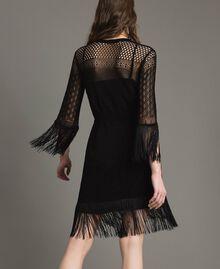 Kleid mit Netzmaschen und Fransen Schwarz Frau 191TT3060-05