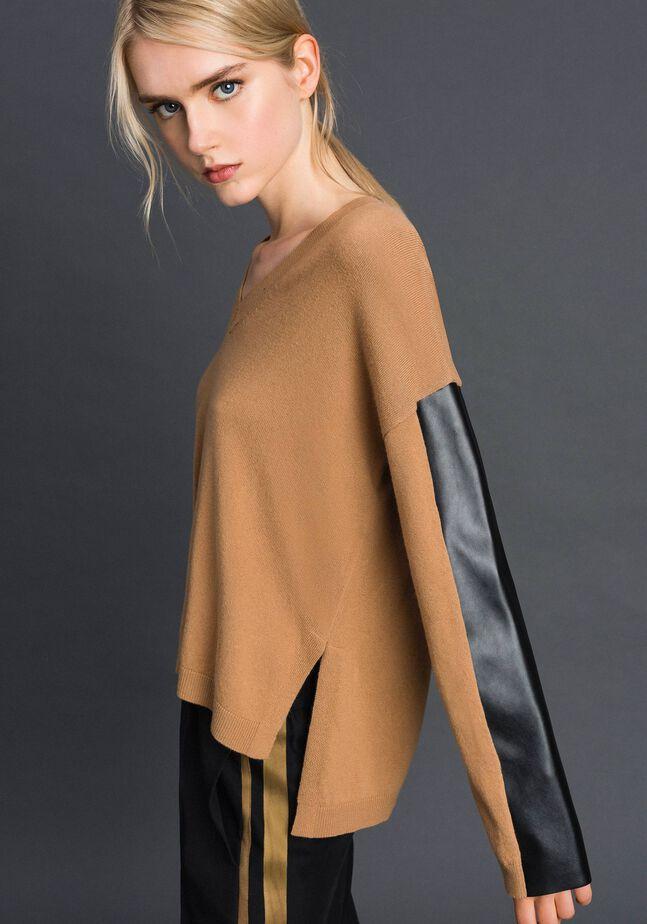 Pull en laine et cachemire avec similicuir