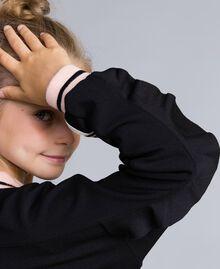 """Sweatjacke aus technischem Stoff mit Logo Zweifarbig Schwarz / """"Blush""""-Rosa Kind GA82PN-04"""