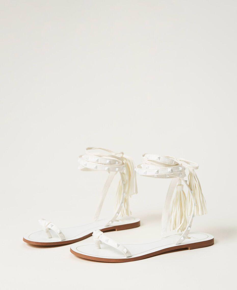 Sandales plates avec clous Ivoire Femme 211LMPZZZ-03