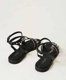 Sandalias con tachuelas planas Negro Mujer 211TCT122-04