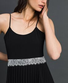 Robe nuisette avec dentelle Bicolore Noir / Blanc Neige Femme 192TP2282-04