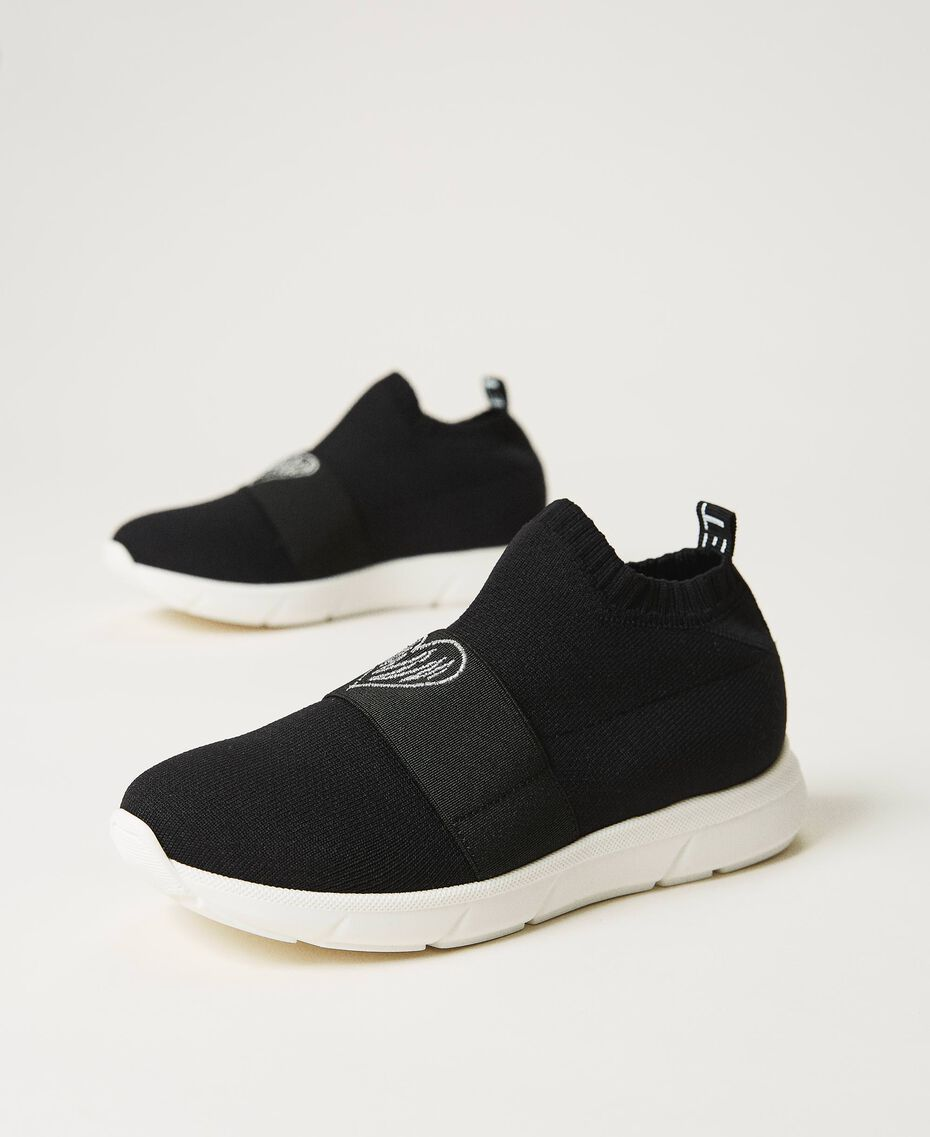 Sneakers con bordado de corazón Negro Niño 211GCJ030-03