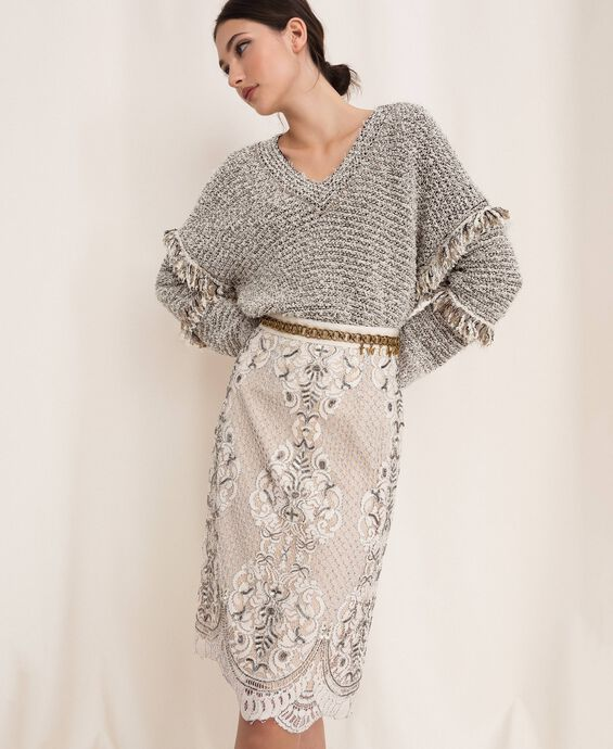 Lace skirt with embroidery
