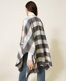 Poncho en drap jacquard à carreaux Carreaux Gris Chiné / Blanc «Lait» Femme 212AA4062-03