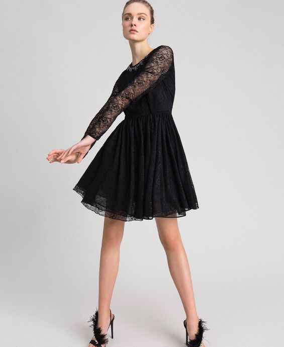 Платье из тюля и кружева стрейч