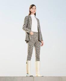 Pantalón con animal print Estampado Animal Print Nuez / Tabaco Mujer 202TT2443-02