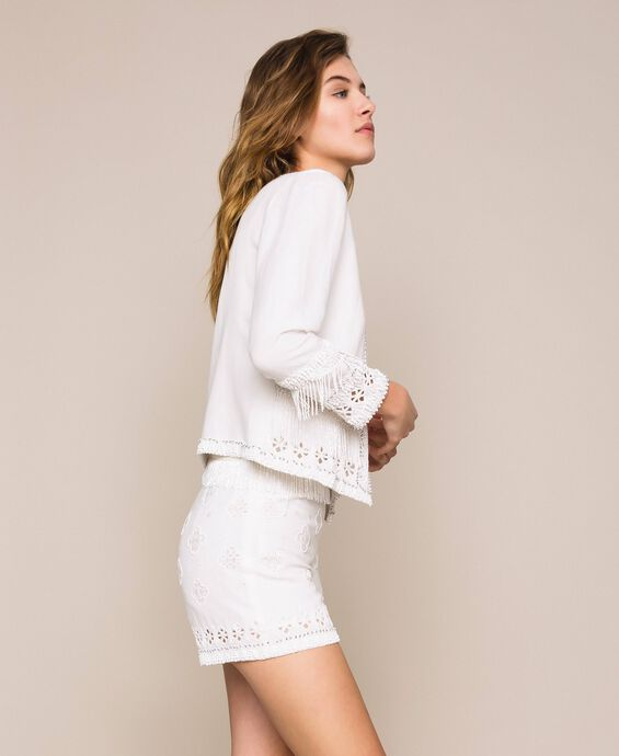Linen blend shorts with broderie anglaise and embroideries