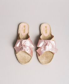 Criss-crossed slippers with bow Powder Woman 191MCP150-01