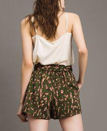 Shorts a stampa maculata Stampa Maculata Verde Amazzonia Donna 191LM2UJJ-03