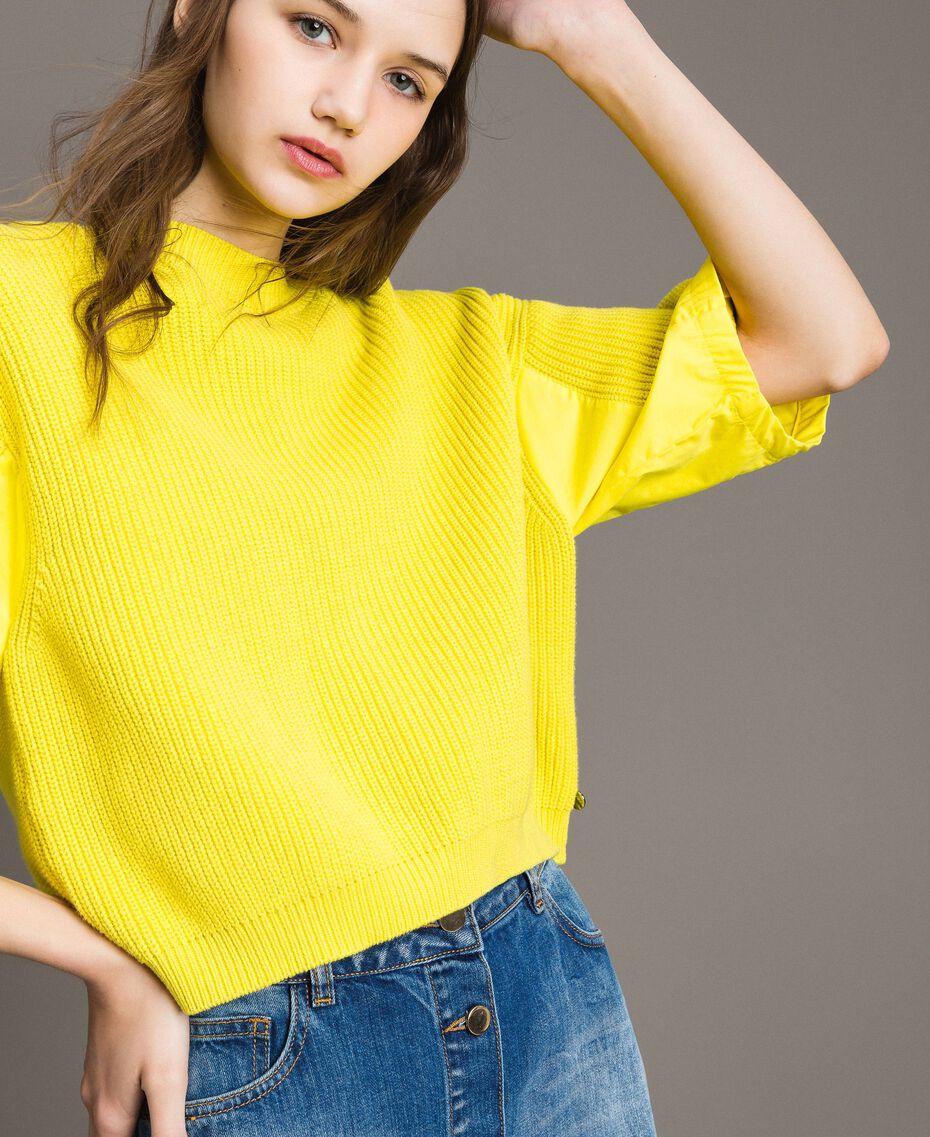 Cardigan-Pullover mit Details aus Popeline Zitronengelb Frau 191ST3060-01